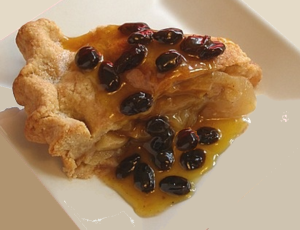 Apple Pie with Rum Raisin Sauce