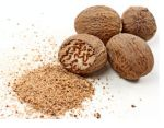 Whole nutmeg with gratings